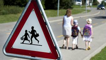 Behörden sollen für den Schulweg verantwortlich sein, fordert der Fachverband «Fussverkehr Schweiz».