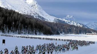 Solche Scharen an Langläufern werden auch in diesem Jahr am Engadiner nicht zu sehen sein. Wegen der Absage planen die Organisatoren aber eine individuelle Möglichkeit.