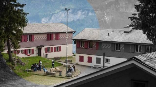Justizministerin Sommaruga bedankte sich bei der Gemeinde: Asylzentrum Tschorren in Hasliberg BE. Foto: Stefano Schröter