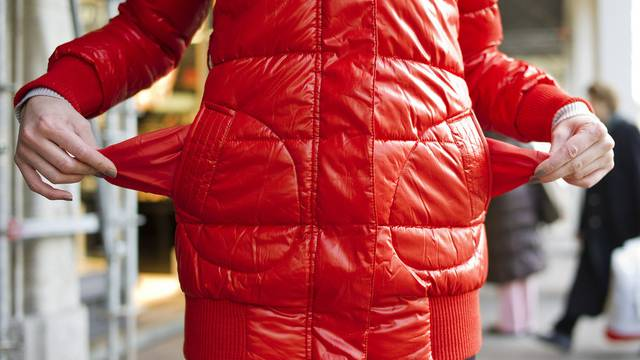 Leere Taschen: Etwa jeder zehnte Schweizer lebt unterhalb der Armutsgrenze (Symbolbild)