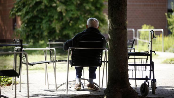 Welche Bedürfnisse hat die alternde Bevölkerung im Baselbiet? Eine Umfrage soll Ergebnisse liefern.