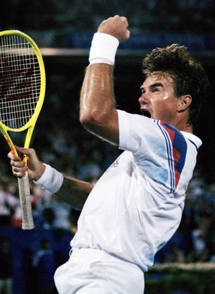 Noch liegt er vor Roger Federer: Der Amerikaner Jimmy Connors konnte ganze 185 Siege auf Rasen feiern und führt somit die Statistik an.