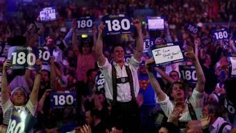 Die Fans im Londoner «Ally Pally» wollen nur die «180» sehen.