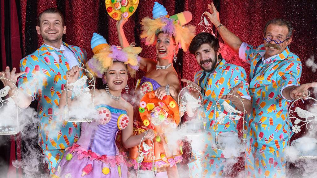 Verzehrtheater Clowns & Kalorien - Eine Mischung aus Essen und Show.