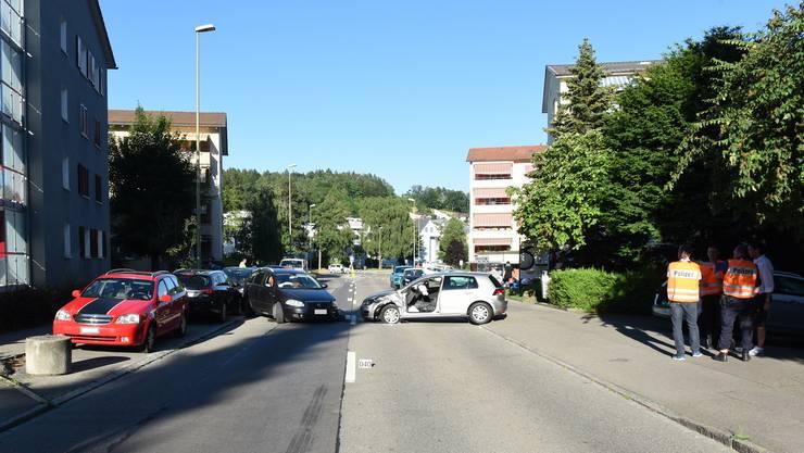 Auf der Illnauerstrasse Richtung Oberillnau kam es zur Kollision zwischen zwei Personenwagen.