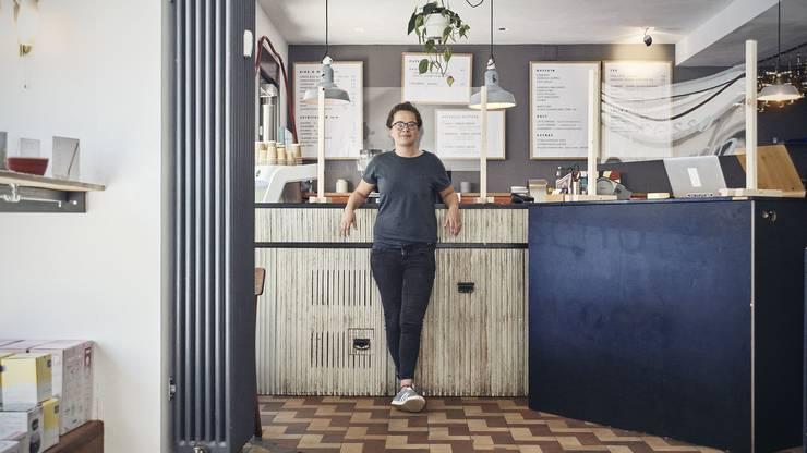 Wirtin Café Frühling an der Klybeckstrasse
