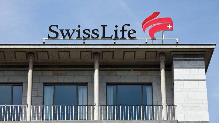 Die Prämieneinnahmen gingen bei Swiss Life wegen hohen Einmalprämien im Vorjahr zurück. (Symbolbild)