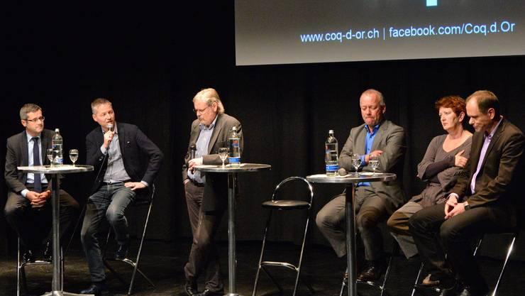 V.l.: Benvenuto Savoldelli, Thomas Marbet, Urs Huber, Martin Wey, Iris Schelbert und Peter Schafer stellten sich am Polit-Anlass «Coq politique» in der Schützi den Fragen des Publikums.
