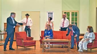 Die Theatergruppe Stüsslingen bei der Probe für ihr neues Stück «Und das am Hochziitsmorge».