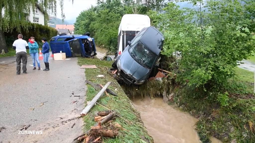 Hochwasser: Dutzende Autos in Val-de-Ruz mitgerissen