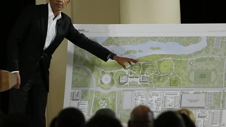 Ex-US-Präsident Barack Obama hat am Donnerstag die Baupläne für seine Präsidentenbibliothek in seiner früheren Heimatstadt Chicago vorgestellt. In den USA erhalten die Ex-Präsidenten traditionell eine Bibliothek mit angegliedertem Museum.