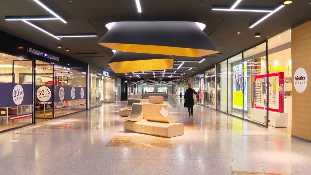 Ladenbesitzer in Konstanz erfreut über Grenzöffnung