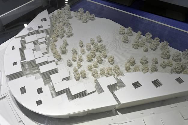 """Modell """"The Circle"""", aufgenommen an einer Medienkonferenz in Zürich am Mittwoch, 10. September 2014. Am Flughafen Zürich in Gehdistanz zu den Terminals entsteht ein neuer, architektonisch prägnanter Gebäudekomplex mit vielfältigem Innenleben."""