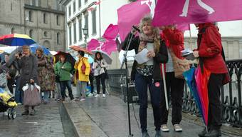 «Es braucht verbindliche Lohnkontrollen», fordert VPOD-Präsidentin Katharina Prelicz-Huber im Hinblick auf die Revision des Gleichstellungsgesetzes.