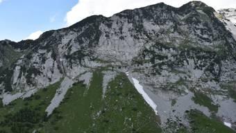 Am Mattstock in der Nähe des Walensees SG ist ein 22-Jähriger beim Klettern in den Tod gestürzt.