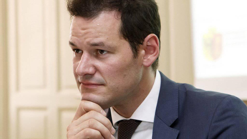 Der Genfer Staatsrat Pierre Maudet will für den Bundesrat kandidieren. Sollte es mit dem Bundesratsamt nicht klappen, will er nächstes Jahr für eine weitere Legislatur in der Kantonsregierung antreten. (Archivbild)