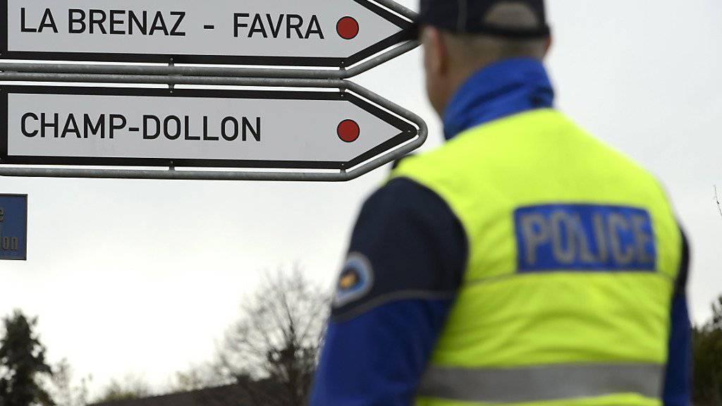 Drei Männer sind in der Nacht auf Donnerstag aus der Haftanstalt Favre im Kanton Genf entwichen. (Archivbild)