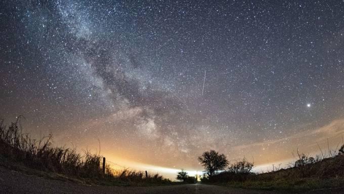 In zwei Wochen ist es wieder soweit: Der Meteoritenschauer der Lyriden zieht vorbei. (Archivbild)