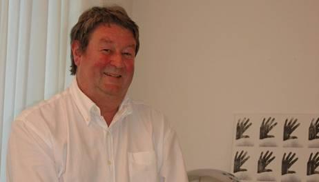 «Wenn ärztliche Behandlungen aus finanziellen Gründen zu lange aufgeschoben würden, führt dies am Ende zu noch höheren Behandlungskosten», sagt Arzt Hans Zaugg.