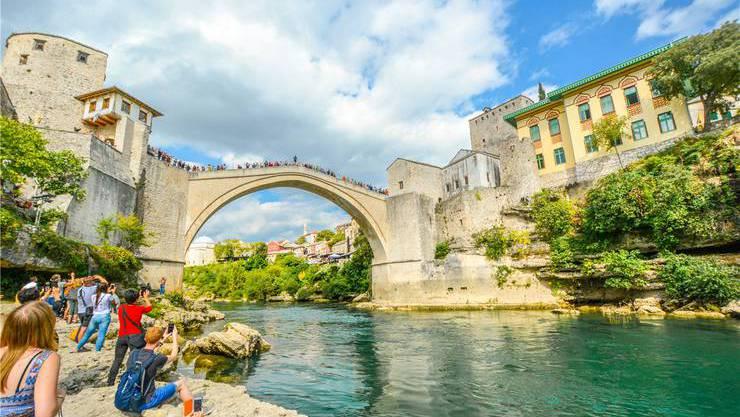 In Mostar lassen sich im Jahr 2020 25 Jahre Frieden in Ex-Jugoslawien feiern. Beste Reisezeit: Mai.