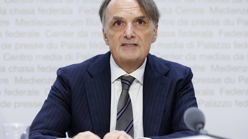 Staatssekretär Mario Gattiker will für eine Woche die Asylbefragungen aussetzen lassen. (Archivbild)