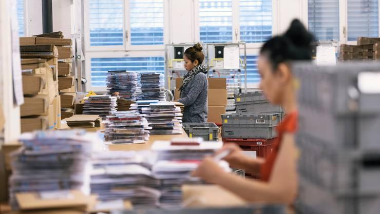 Der Online-Handel hat während der Coronakrise zugelegt. Das sollen auch die Mitarbeitenden zu spüren bekommen – indem sie mehr Lohn erhalten.