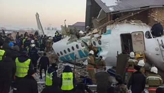 Nationaler Trauertag: In Kasachstan wird am heutigen Samstag der Opfer des jüngsten Flugzeugabsturzes gedacht.