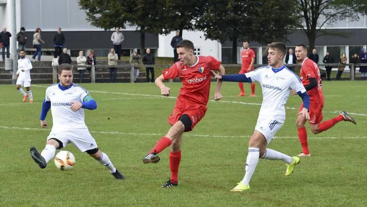 Der FC Biberist (in rot) holt ein Unentschieden. (Archiv)