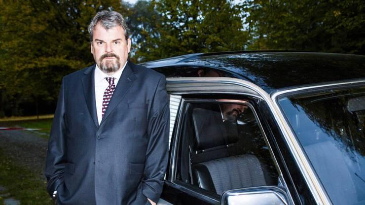 2012 starteten die Dreharbeiten der SRF-Krimi-Serie: Mit Mike Müller in der Hauptrolle von Bestatter Luc Conrad.