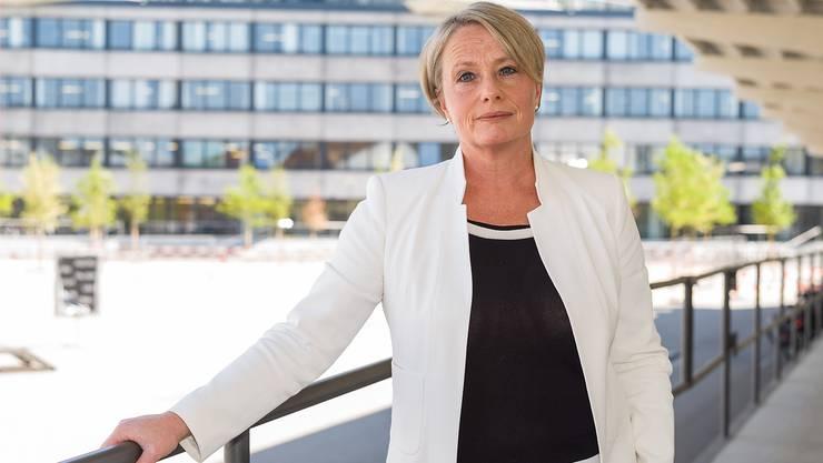 «Die Handelskammer-Mitglieder trennen nicht nach Kantonen»: Elisabeth Schneider-Schneiter auf dem Campus der Fachhochschule im Dreispitz – an der Grenze von Stadt und Land.