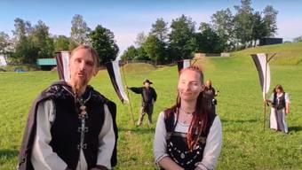 In einem Video – mit gebührendem Corona-Abstand – bittet das Initiantenpaar Höiu und Jera in bester Mittelaltermanier darum, die Marktfahrer zu unterstützen.