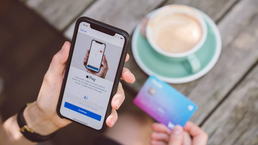 Schon Viertelmillion Schweizer nutzt umstrittene Finanz-App