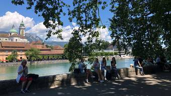 Die Mehrheit der Solothurnerinnen und Solothurner wünscht sich in Betrachtung der aktuellen Situation strengere Massnahmen.