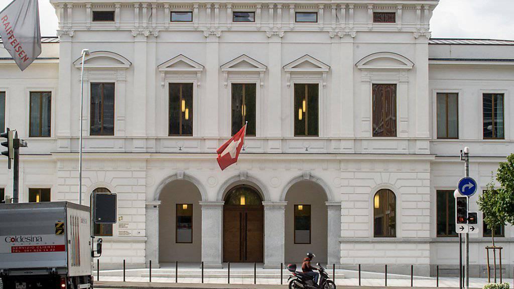 Nur einer der Angeklagten erschien am Montag vor dem Bundesstrafgericht in Bellinzona. (Archivbild)