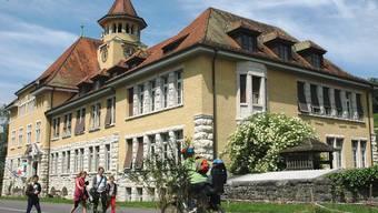 Das Schulhaus Stapfer soll saniert und erweitert werden. Erstellt wurde das Gebäude 1909/10.