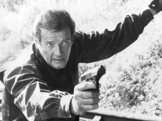 """Als er 007 mimte, waren die Bond-Streifen noch nicht so gewalttätig wie heute: Roger Moore, hier in """"Octopussy"""" (1983)."""
