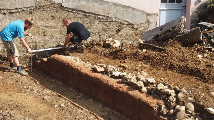 Diese römische Wasserleitung kam in Hausen bei Bauarbeiten zutage. Im September konnte man sie noch besichtigen. Inzwischen ist sie zerstört