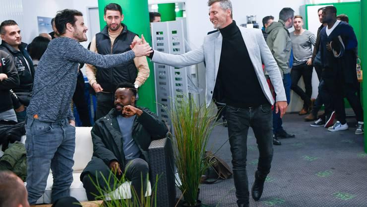 Als Alain Sutter (rechts) als Sportchef des FC St.Gallen vorgestellt wurde, klatschte er mit Tranquillo Barnetta ab – später gab es auch Missverständnisse zwischen den beiden.