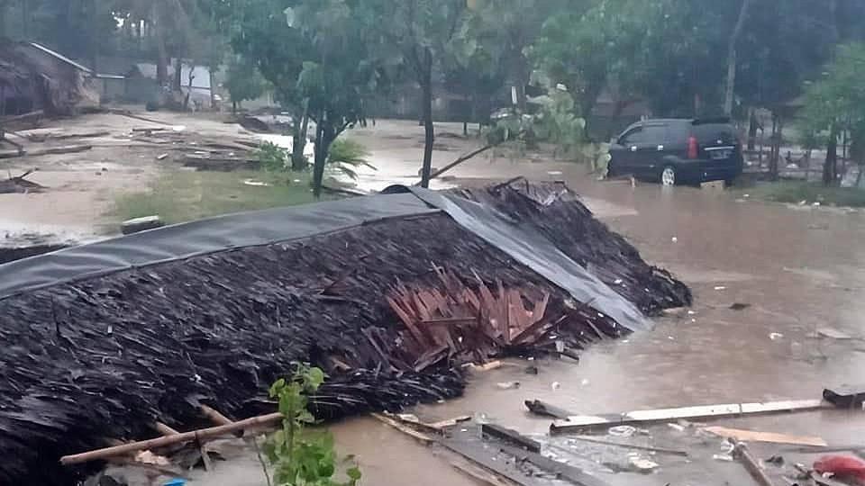 Schwierige Rettungsarbeiten nach Tsunami