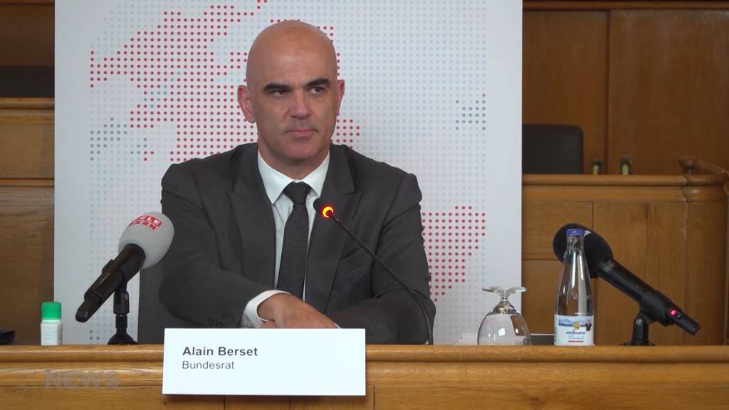 Bundesrat Berset in Bern: «Wir haben die erste Phase der Krise nicht schlecht gemeistert»