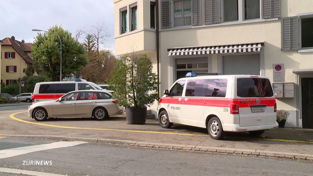 Tötungsdelikt Albisrieden: Aufwändige Untersuchung von Tatort und Umgebung