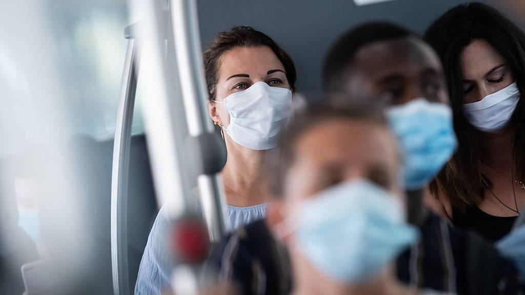 Coronavirus: Viele Menschen sehen sich wenig gefährdet