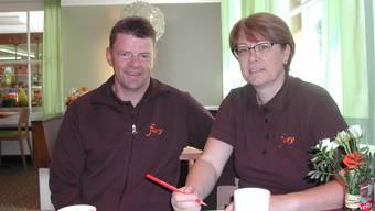 Robert und Regula Morgenthaler: «Wir freuen uns an den vielen positiven Rückmeldungen zum Facelifting in unserer Filiale Subingen.»