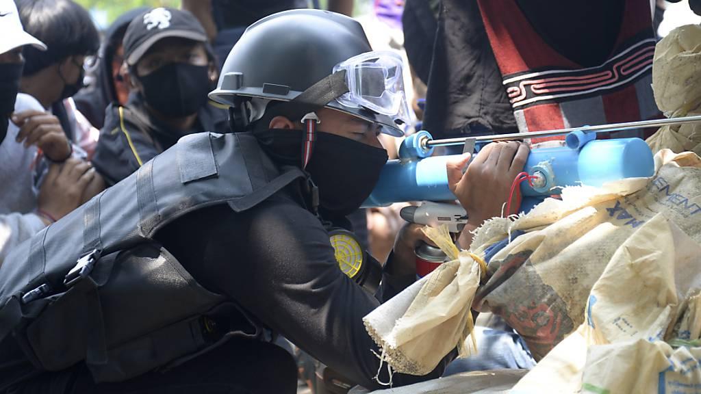 Medien: Viele Tote bei Protesten gegen Militär in Myanmar