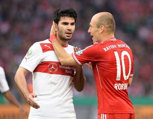 Schweinsteiger gratuliert Teamkollege Gomez