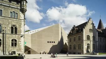 Das Basler Architekturbüro Christ & Gantenbein hat mit bunkerartigem Betonbau das auf Schlösschen getrimmte Landesmuseum in Zürich ergänzt.