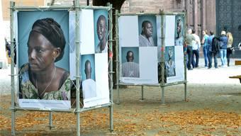 Während der Art 2014 wurde die Foto-Ausstellung «Image Afrique» auf dem Münsterplatz gezeigt. In diesem Jahr erhielten die Veranstalter keine Bewilligung. Archiv/NIZ