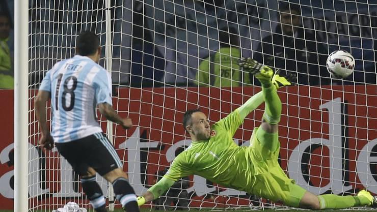 Behielt die Nerven und schoss Argentinien in den Halbfinal der Copa America: Carlos Tevez