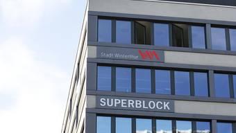 Frauen in Führungspositionen sind hier nach wie vor rar: Die Winterthurer Stadtverwaltung im Superblock. (Archiv)