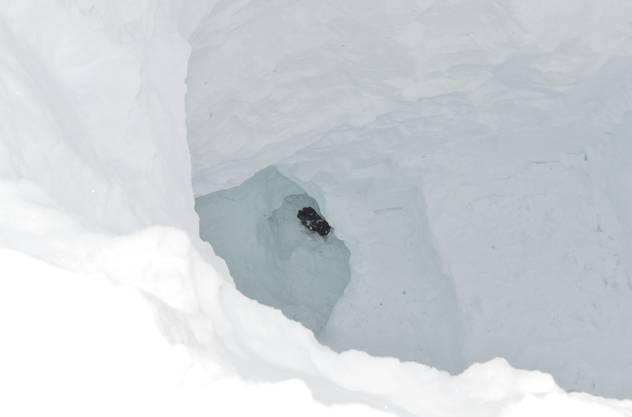 Die Unglücksstelle: Ein Todesopfer wurde 12 Meter unter der Oberfläche geborgen.